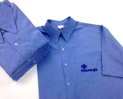 Camisa social masculina personalizada com bordado